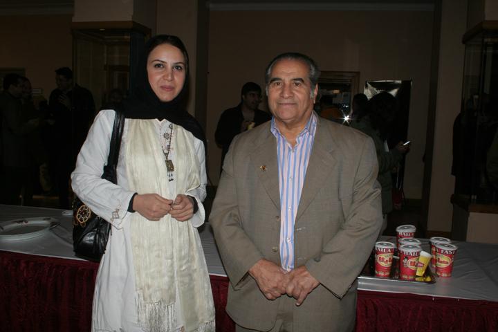 اجرای منقبت خوانی در جشن غدیر - خانه هنرمندان - در کنار حاج عباس شیرخدا - شنبه 8 دی 86